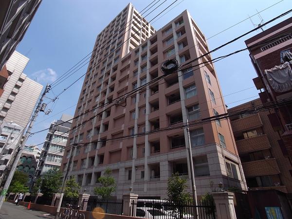 ファミール新宿グランスィートタワーの外観