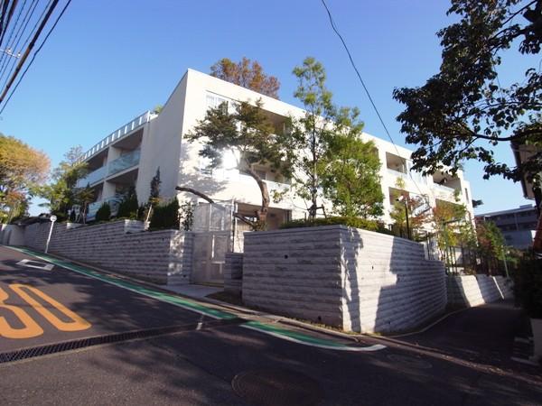 ディアナコート成城翠邸の外観画像