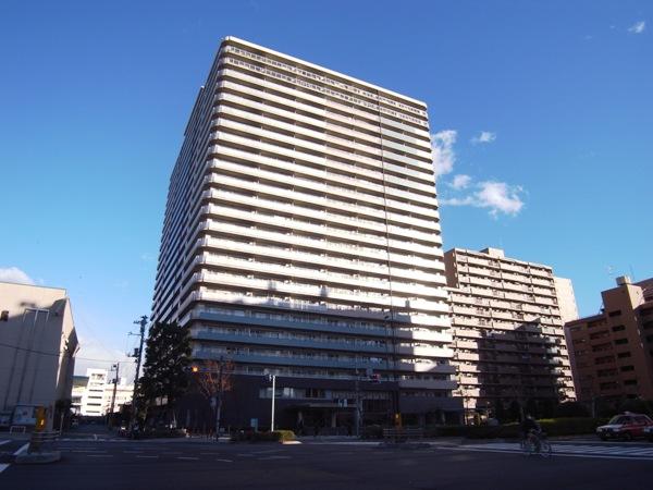 東京マスタープレイスの外観