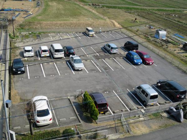 敷地外駐車場(マンション北側/44台/東海トラスト) 2015年3月13日撮影