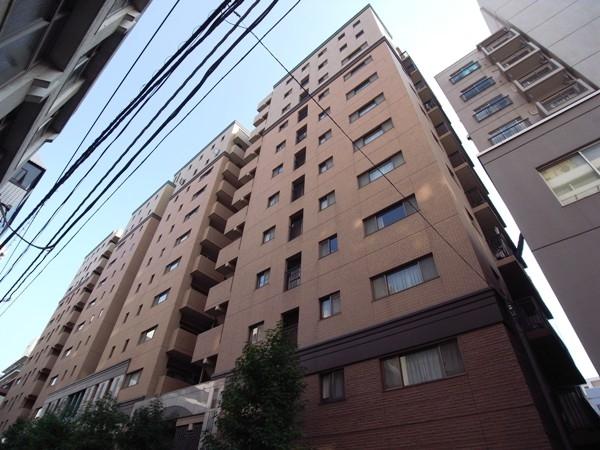 クイーンズパレス東京中央の外観