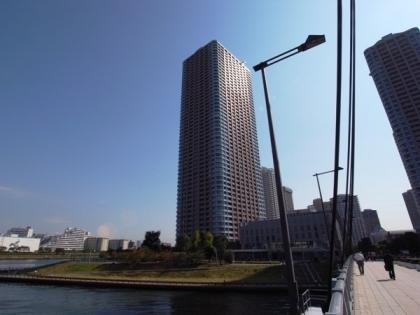 センチュリーパークタワーの外観