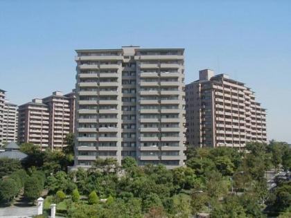 サンステージ緑園都市東の街の画像1枚目(外観、エントランス、前面の通り等)