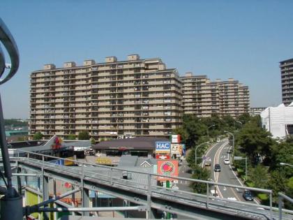 サンステージ緑園都市の画像1枚目(外観、エントランス、前面の通り等)