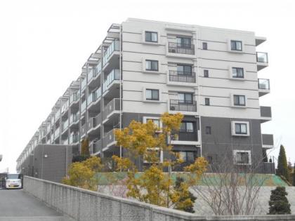 レーベンリヴァーレ横濱鶴ヶ峰ヒルズの画像1枚目(外観、エントランス、前面の通り等)