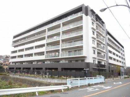 インプレスト横浜鶴ヶ峰ウエストの画像1枚目(外観、エントランス、前面の通り等)