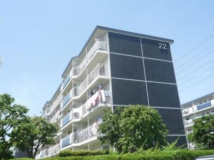 グリーンハイムいずみ野22号棟の画像1枚目(外観、エントランス、前面の通り等)